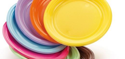 PIATTI DI PLASTICA RITIRATI DAL MERCATO: alti livelli di tossicità